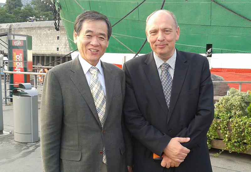 prof. kwan-sup lee and prof. jürgen rühe
